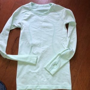 Size 4 lululemon technical long sleeve top